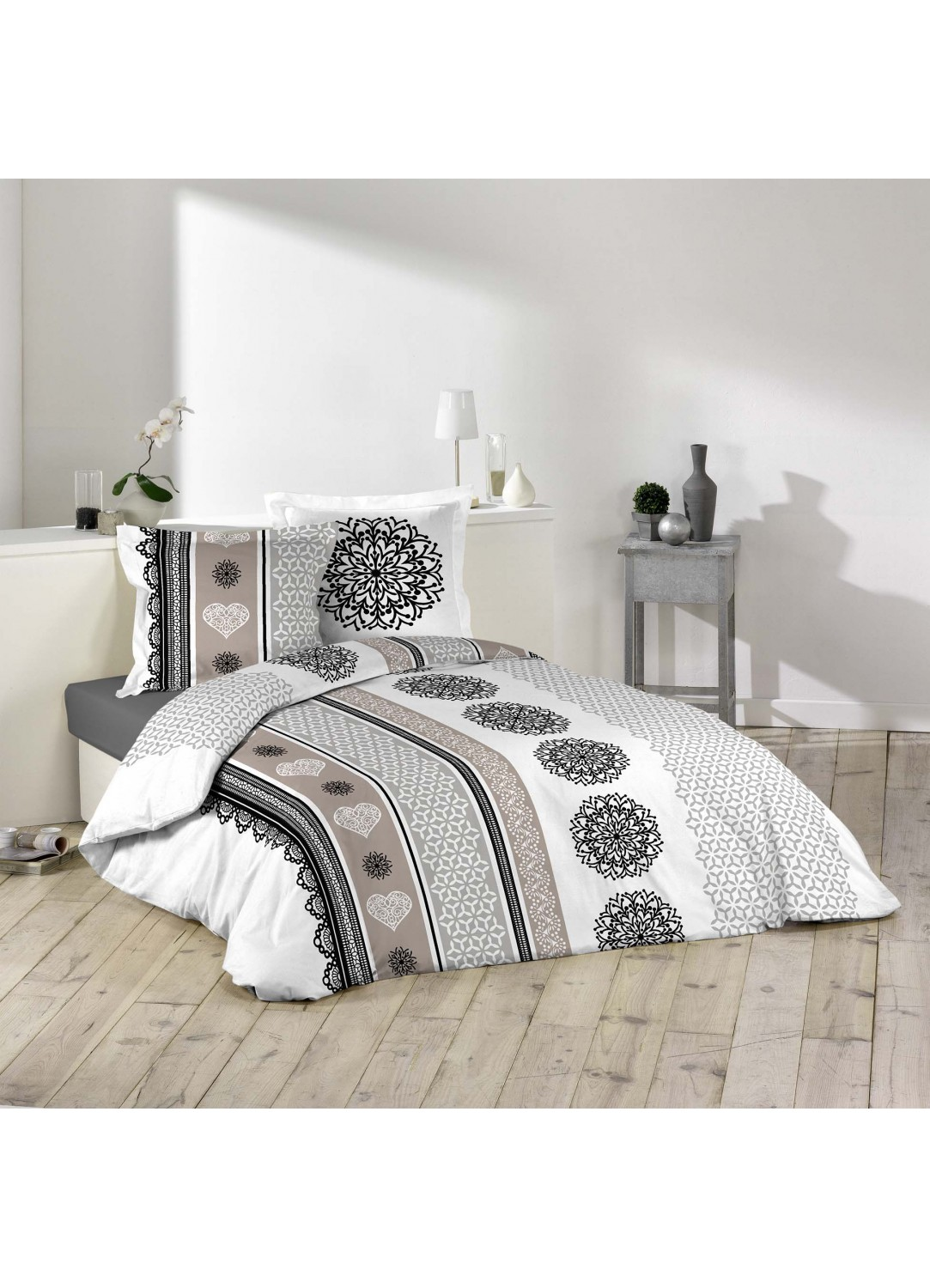 parure de lit imprim e mandalas et coeurs multicolors homemaison vente en ligne parures. Black Bedroom Furniture Sets. Home Design Ideas