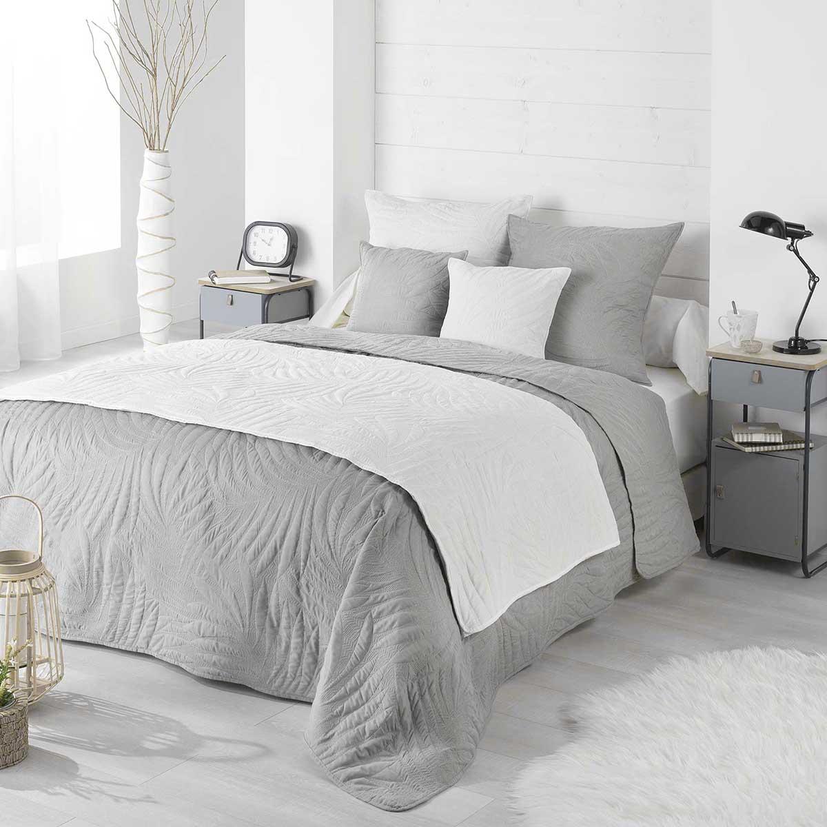 Couvre lit matelass et uni en microfibre gris blanc taupe vert homemaison vente - Couvre lit matelasse blanc ...