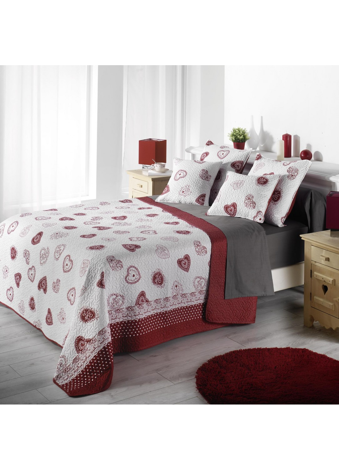 couvre lit matelass imprim c urs rouge homemaison vente en ligne couverture boutis. Black Bedroom Furniture Sets. Home Design Ideas