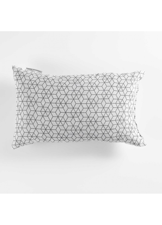 coussin rectangulaire esprit graphique blanc noir gris homemaison vente en ligne. Black Bedroom Furniture Sets. Home Design Ideas