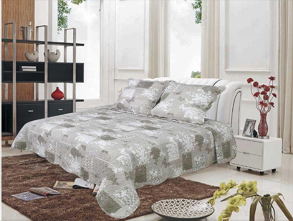 boutis imprim envol de papillons taupe homemaison vente en ligne couverture boutis. Black Bedroom Furniture Sets. Home Design Ideas