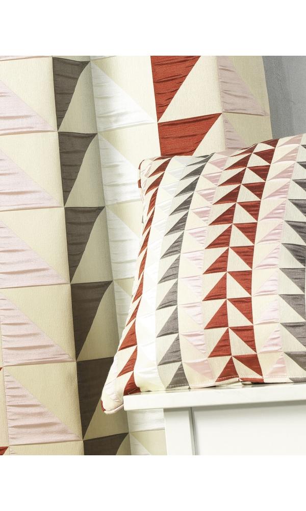 Coussin en jacquard à imprimés triangulaires (Bordeaux)