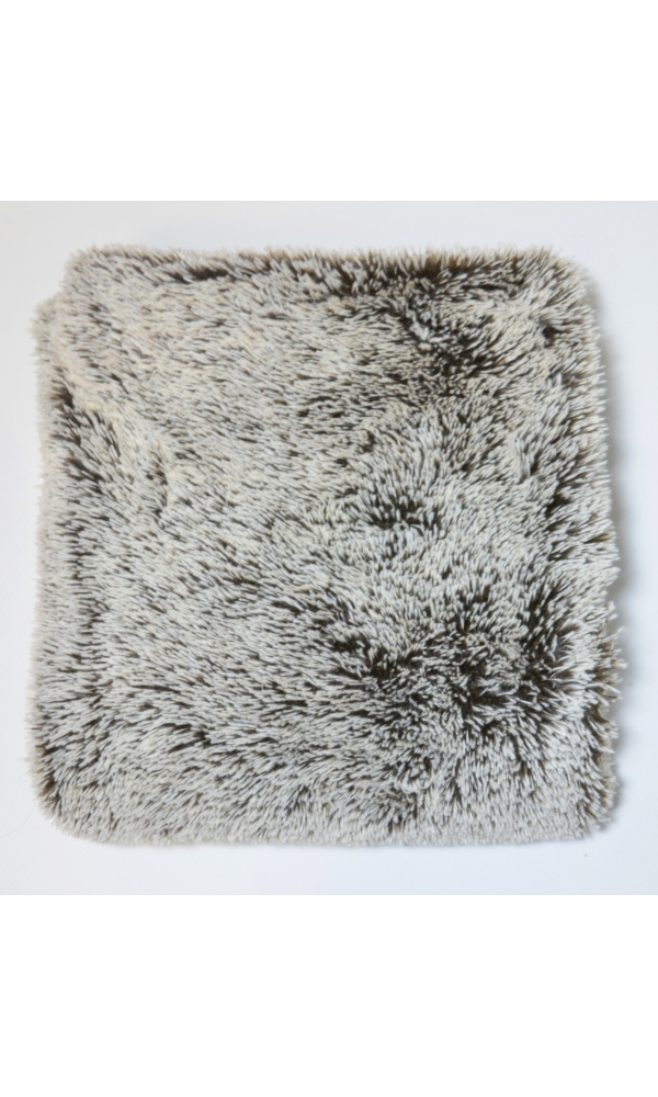 Coussin douceur taupe (Taupe)