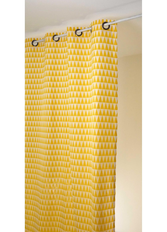 rideau en jacquard imprim s triangulaires jaune et blanc noir et blanc bleu et blanc. Black Bedroom Furniture Sets. Home Design Ideas