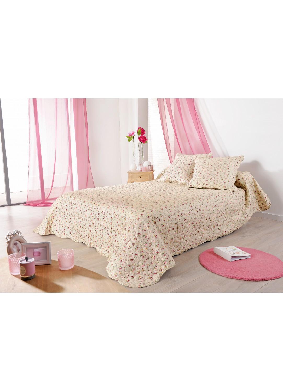 plaid en boutis imprim s fleuris rose et vert poudr sur fond beige cru homemaison. Black Bedroom Furniture Sets. Home Design Ideas