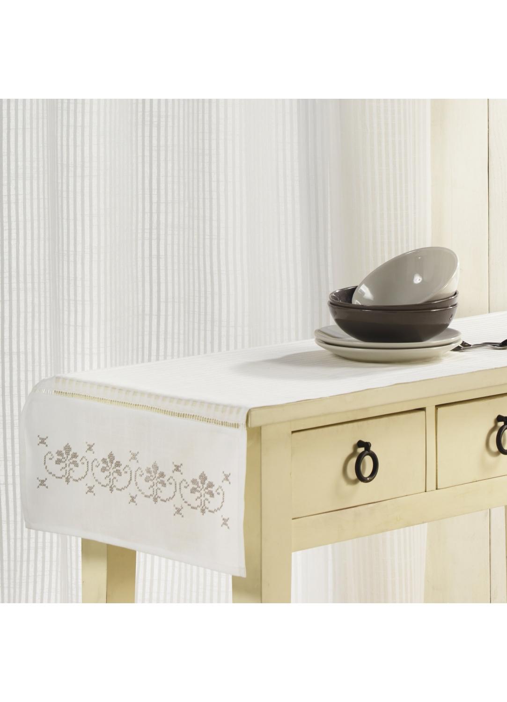 chemin de table avec broderie ivoire homemaison. Black Bedroom Furniture Sets. Home Design Ideas