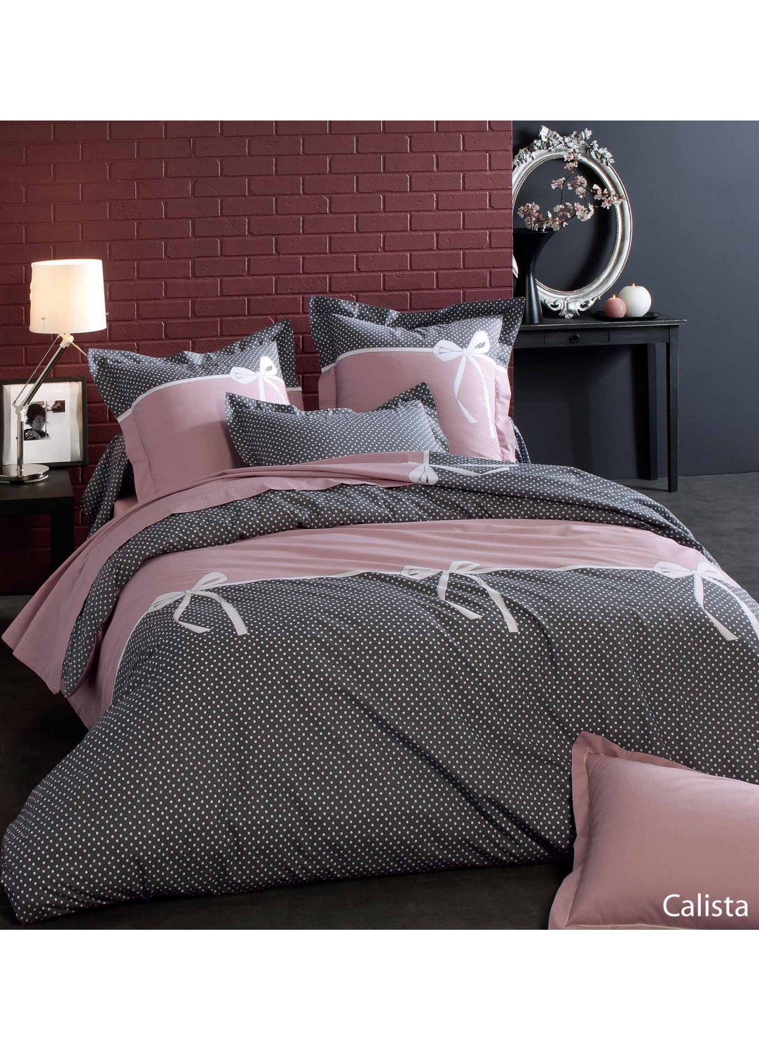 housse de couette calista imprim s pois et noeud noir. Black Bedroom Furniture Sets. Home Design Ideas