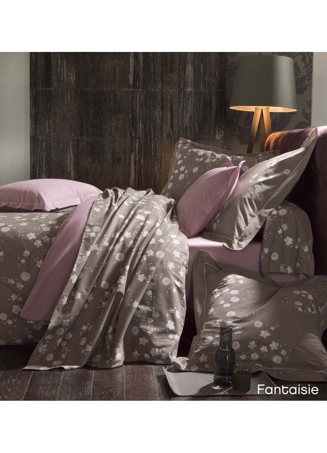 housse aubergine tous les objets de d coration sur elle maison. Black Bedroom Furniture Sets. Home Design Ideas