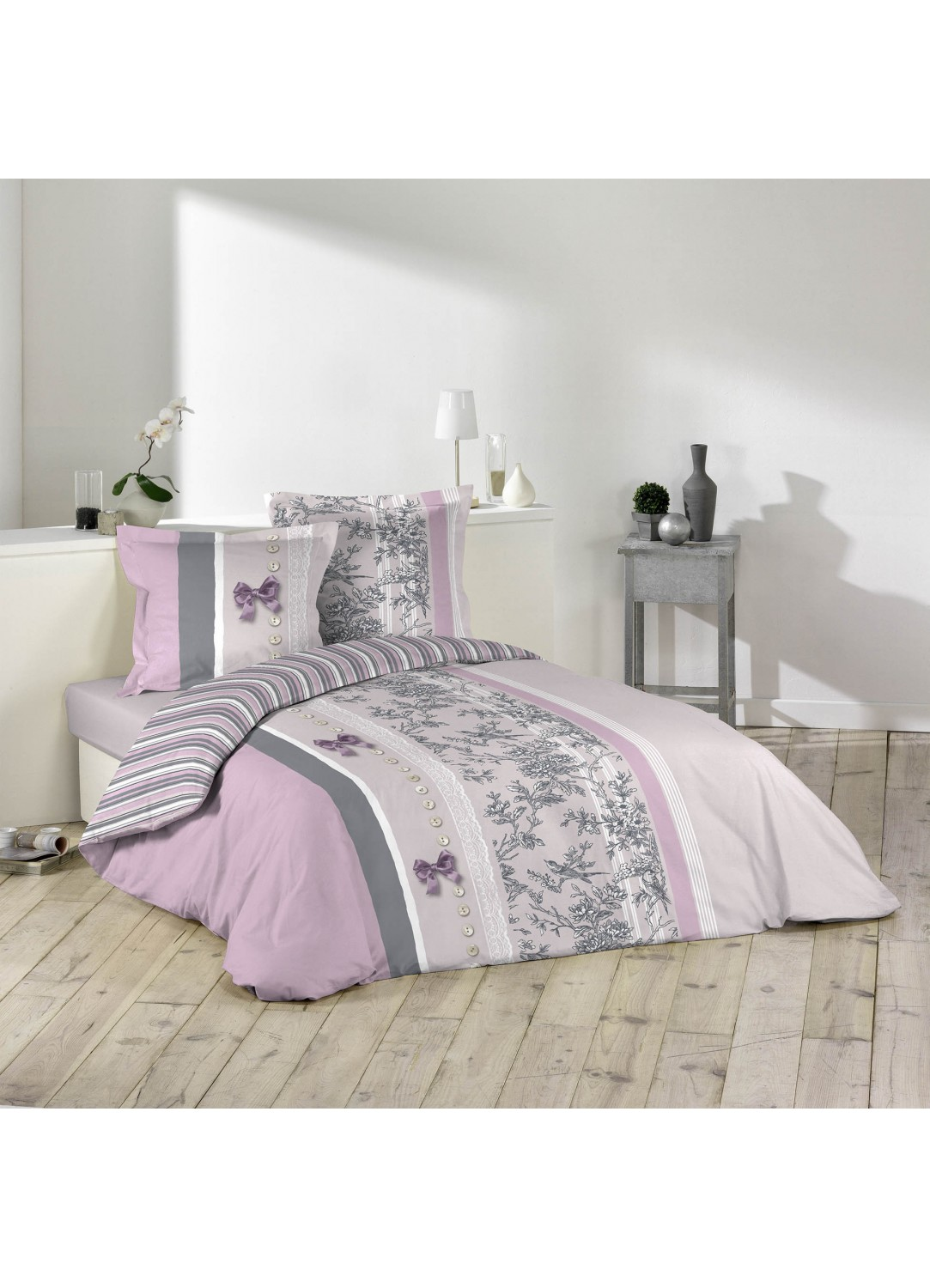 parure de lit 2 personnes charmance violet. Black Bedroom Furniture Sets. Home Design Ideas