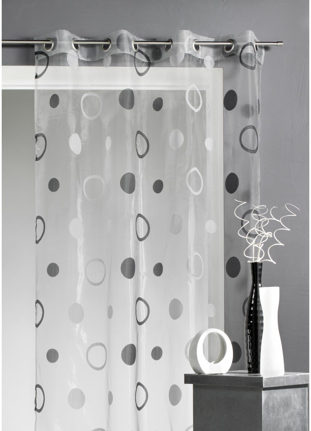 voilage organza jacquard aux motifs cercles gris figue. Black Bedroom Furniture Sets. Home Design Ideas