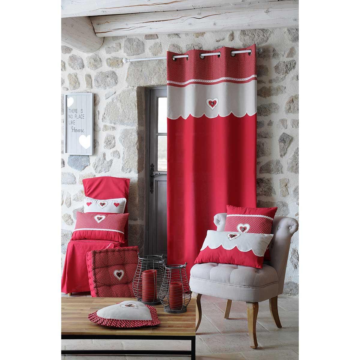 Rideau rouge à coeur dentelé (Rouge)