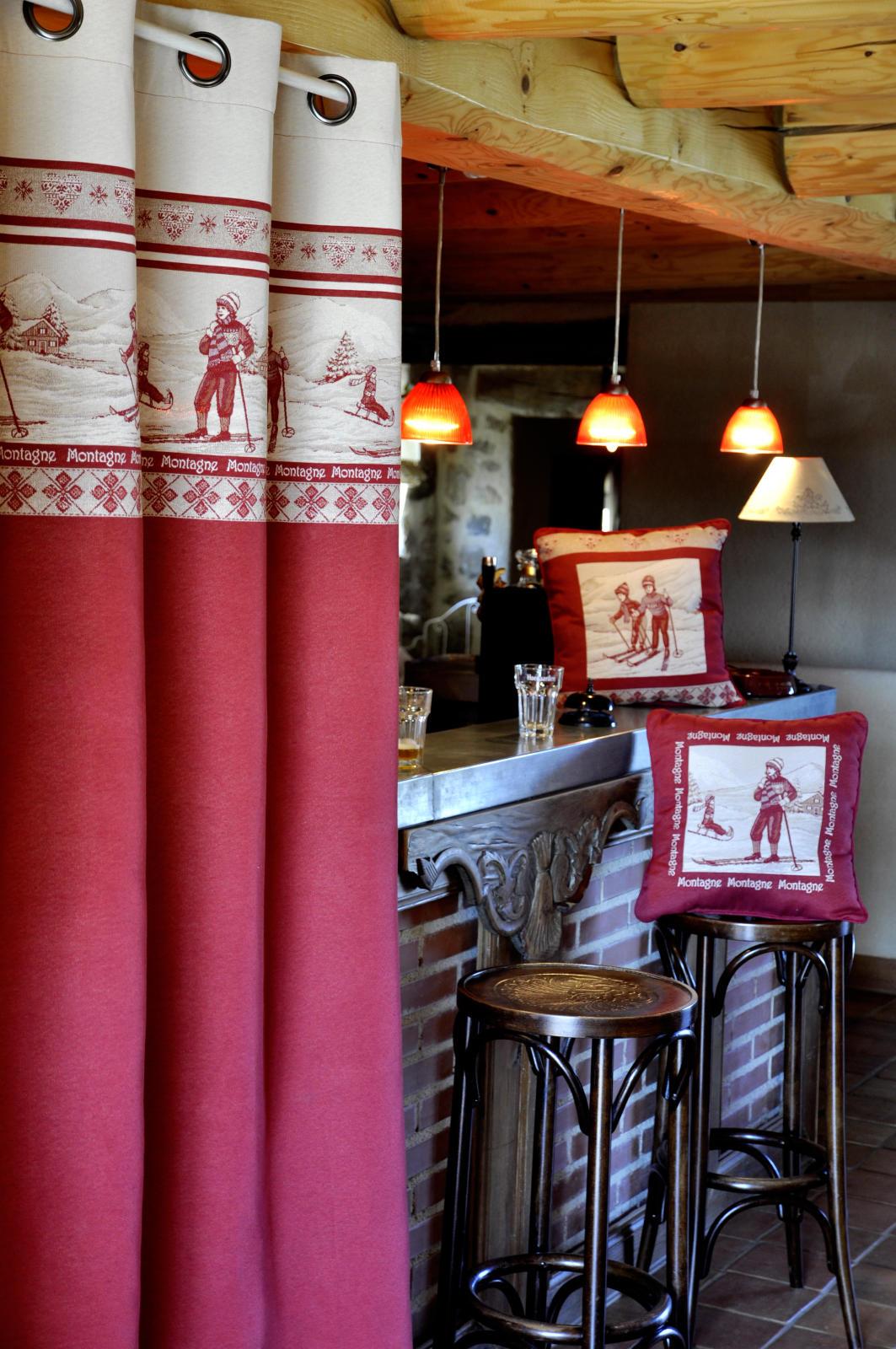 rideau imprim montagne rouge homemaison vente en. Black Bedroom Furniture Sets. Home Design Ideas
