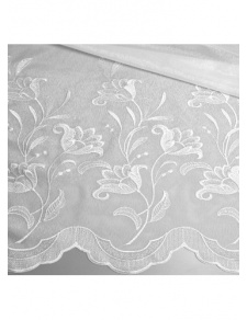 Tissu en voile sablé et festonné
