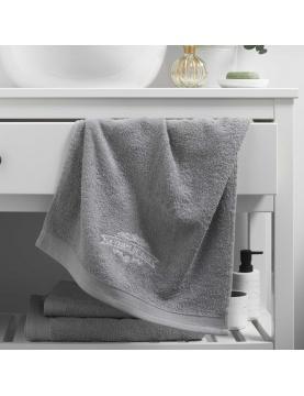 Serviette de toilette brodée vintage
