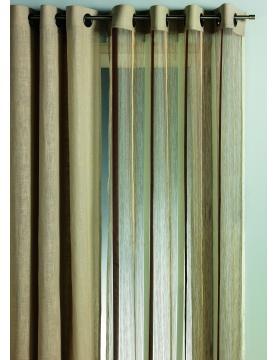 Vorhang aus Organza mit vertikalen Streifen