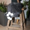 Plaid en velours à pompons colorés (Granit)