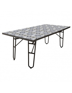 Table rectangulaire en petits carreaux de ciment