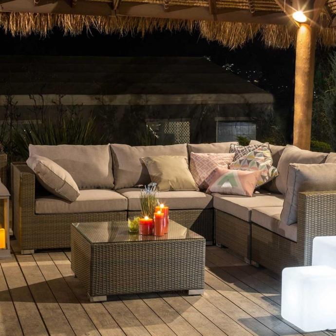 salon de d tente d ext rieur en rotin gris marron. Black Bedroom Furniture Sets. Home Design Ideas