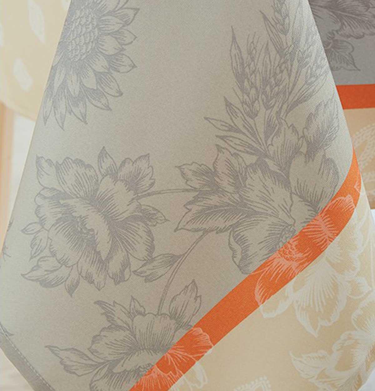 Nappe Ronde aux Notes Florales - Beige - Diamètre : 180 cm
