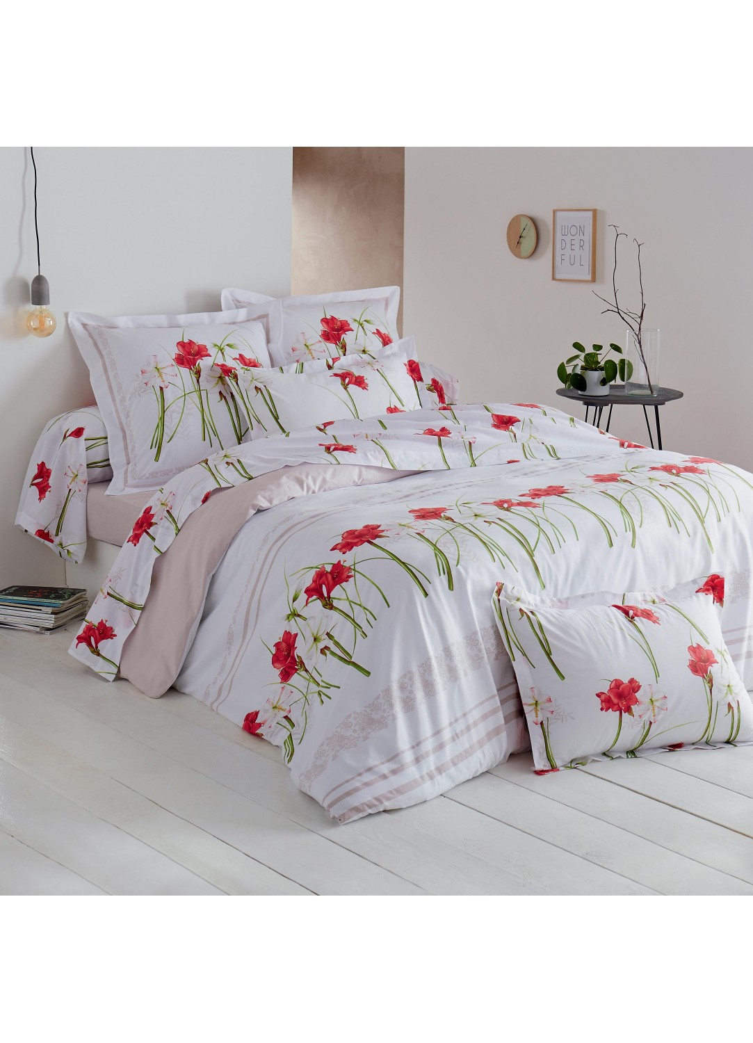 housse de couette imprim e amaryllis blanc et rouge homemaison vente en ligne housses de. Black Bedroom Furniture Sets. Home Design Ideas