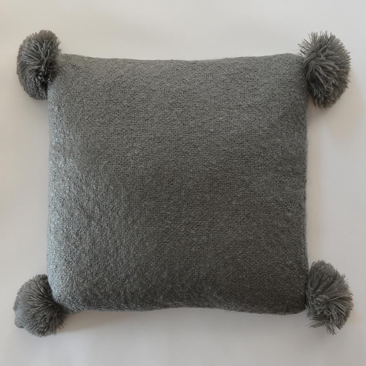 Coussin effet laineux à pompons - Anthracite - 45 x 45 cm